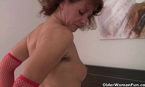 granny  hairy pussy  natural body